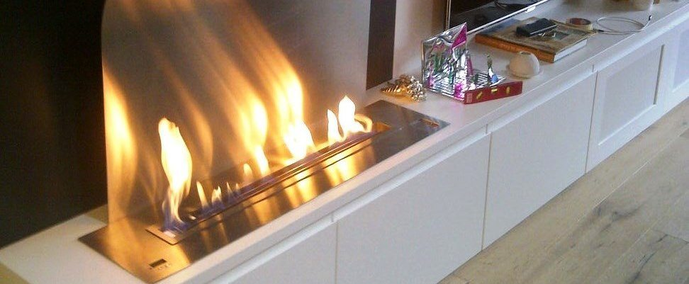Modern ventless ethanol fireplace